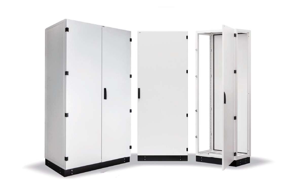 Stojące szafy sterownicze z serii DELTA